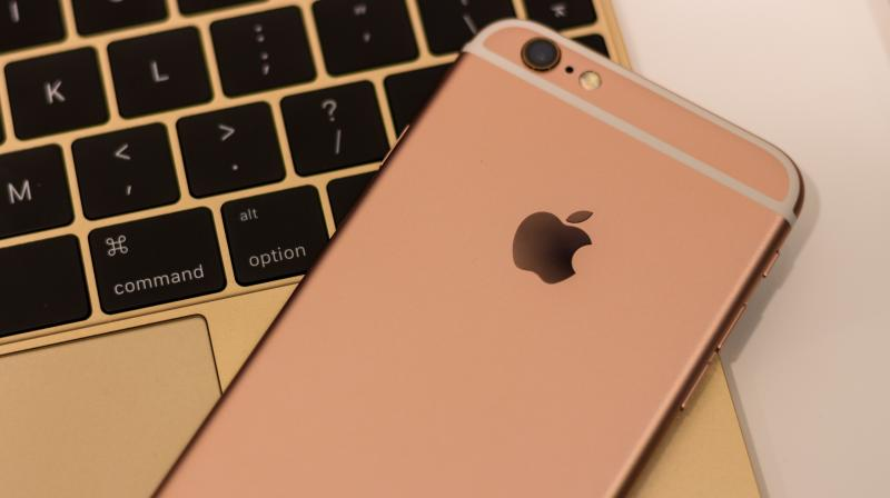 The findings help the researchers devise that owning an iPhone help them predict an individual's belonging to the 'high-income' group with a probability of 69.1 per cent. (Photo: Pexels)