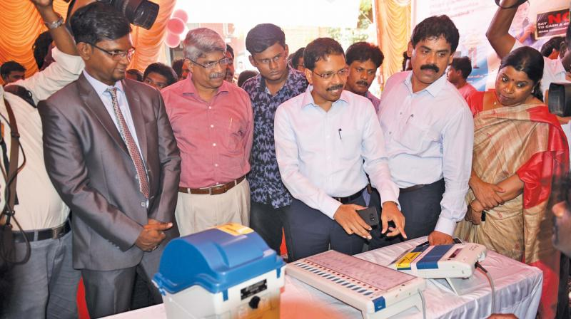 Chief Electoral Officer Satyabrata Sahoo  inaugurates LS election voting awareness  campaign organised by the students of public relations at Madras University on Thursday. (Photo: DC)