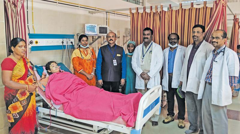 Patient with the doctors' team. (Photo: DC)
