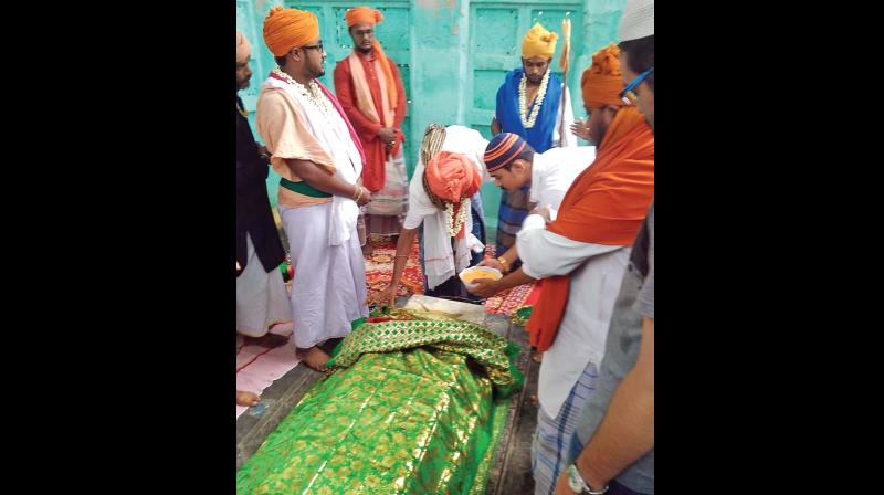 Sufi saints from AP offer special prayers at the 'dargah' of Ghurubibi in Salem on Sunday. (Photo: DC)