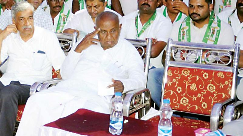 JD(S) supremo H.D. Deve Gowda at a campaign rally in Mandya on Thursday (Photo: KPN)