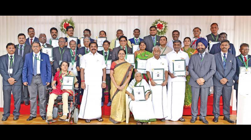 Chief Minister Edappadi K. Palaniswami with all awardees. Chief Secretary Girija Vaidyanathan also seen.