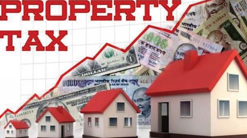 At a meeting with the staff, the additional municipal commissioner reviewed the collection of property tax, vacant land tax and other taxes with the revenue officers, revenue inspectors and bill collectors and instructed them to pay more attention on tax collections and ensure that the mounting tax dues were collected from the property owners.