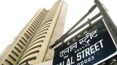 After swinging over 200 points within the first 15 minutes of trade, the 30-share index pared opening losses to trade 111.08 points, or 0.28 per cent, higher at 39,546.02. (Photo: PTI)