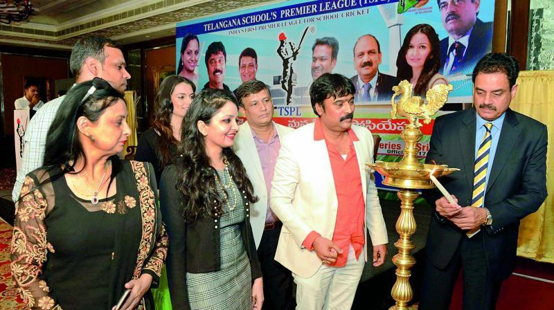 Dilip Vengsarkar lights the lamp to launch TSPL.