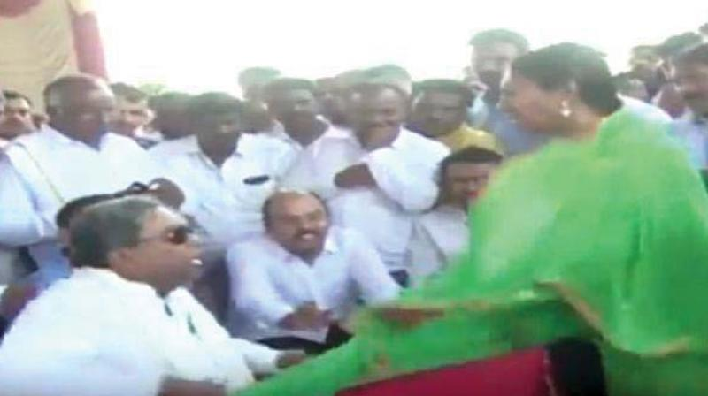 Mr Siddaramaiah was quick to apologise to Ms Jamalar as he flung the woman's dupatta back to her.