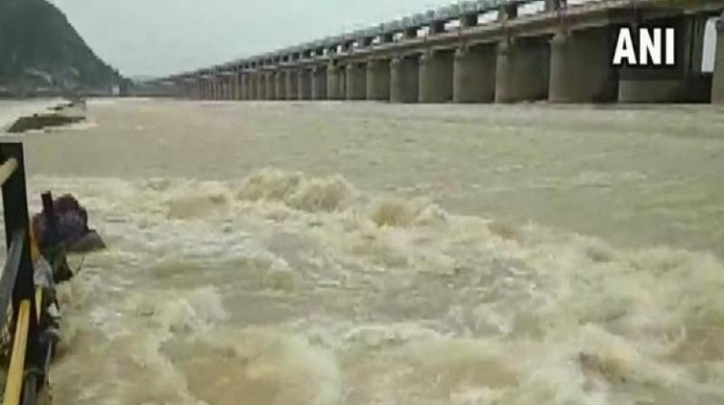 The authorities concerned said that when the discharge of water will be about six lakh cusecs, the water-level may rise in the river and reach up to the brim of flood banks. (Photo: ANI)