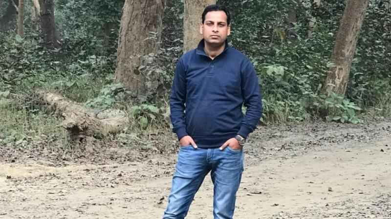 Two constables, Prashant Chowdhury and Sandeep Kumar, were arrested after a complaint was lodged on basis of a complaint by Vivek Tiwari's colleague Sana Khan, who was travelling with him. (Photo: Facebook Screengrab | vivek.tiwari)