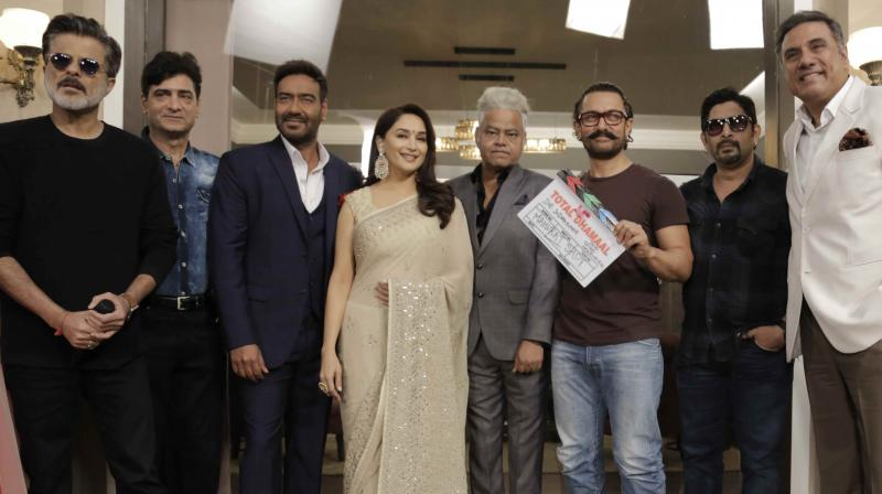 Aamir Khan Gives The Mahurat Clap For Total Dhamaal!
