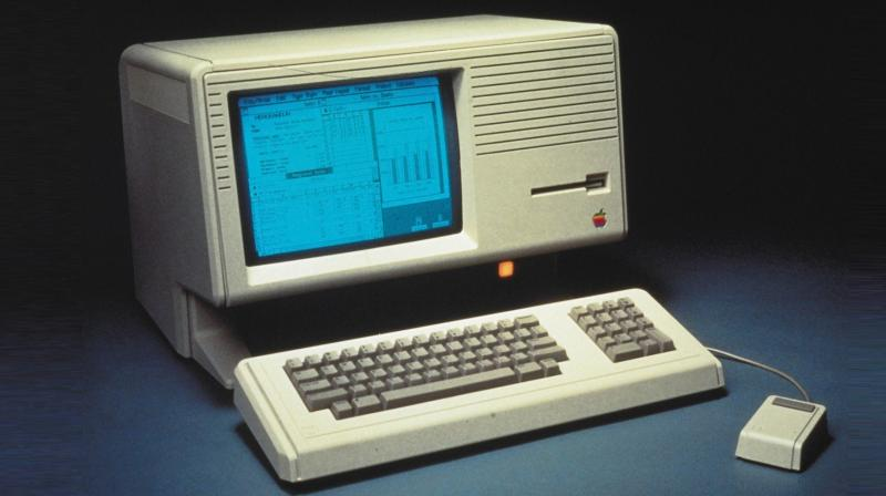 The computer measured roughly the size of a Window AC and was powered by a 5MHz Motorola 68000 CPU, 1MB RAM and a 5MB hard disk. (Photo: mac-history.net)