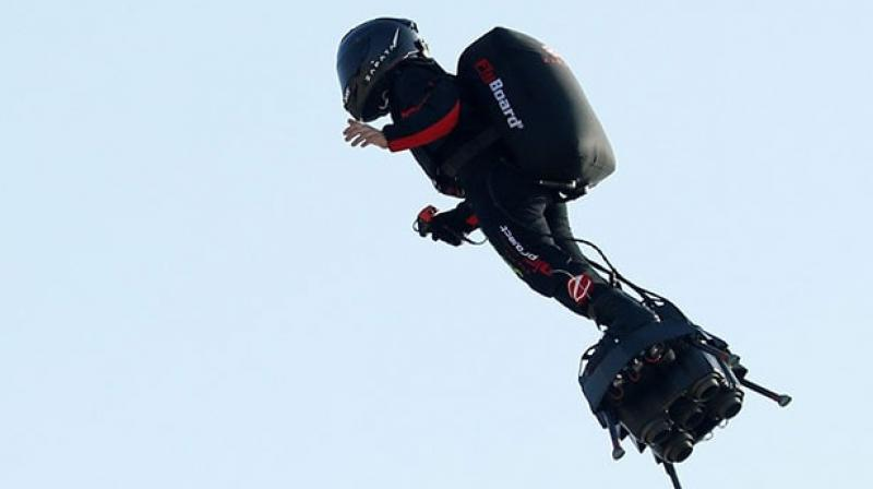Franky Zapata set off on his 'Flyboard' from Sangatte on the northern coast of France for the 20-minute trip to St. Margaret's Bay in Dover, on England's south coast. (Photo: AFP/ video screengrab)