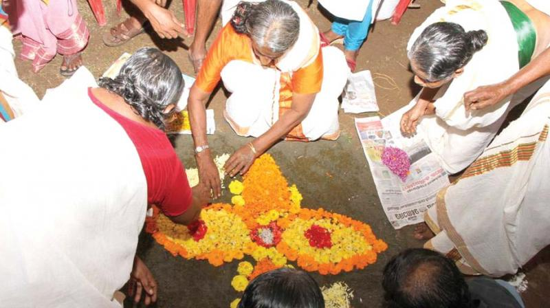 Elders from various old age homes through out the state celebrated Onam with much fervour over the week. From laying flower carpets to special stage performances and traditional onam games their celebrations were no less than the rest of malayalis.