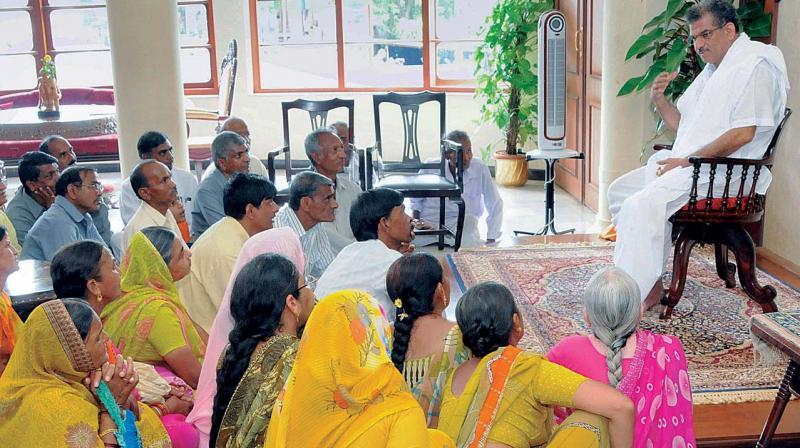 Dr Veerendra Heggade addressing devotees at Dharmasthala.