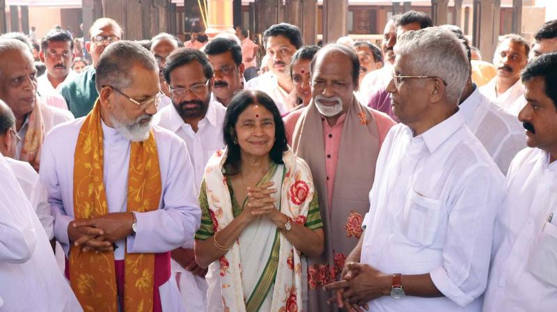 Aswathy Thirunal Gowri Lakshmi Bayi flanked by Bishop Mar Joseph Perumthottam, Madavana Balakrishna Pillai, NSS general secretary G.Sukumaran Nair and  V. S. Sivakumar, MLA  at Mannam Jayanti  at Perunna in Changanachary on Tuesday. (Photo: DC)