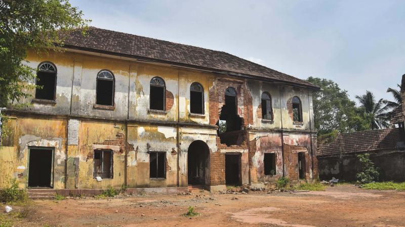 Every day boats ferry across this lonely old building on the way to Fort Kochi. (Photo-SREEKANTH SIVADASAN)