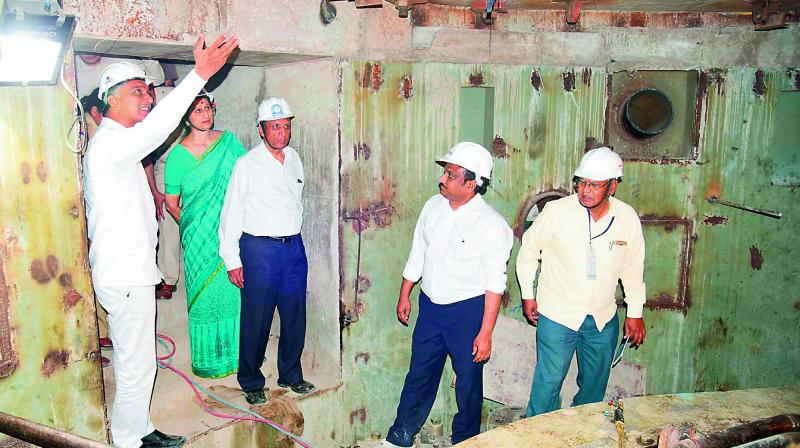 Governor E.S.L. Narasimhan inspects the Kaleswaram project works at Laxmipur village in Ramadugu mandal in Karimnagar district on Saturday. He was accompanied by his wife Vimala Narasimhan, minister Harish Rao and officials. (Photo: DC)