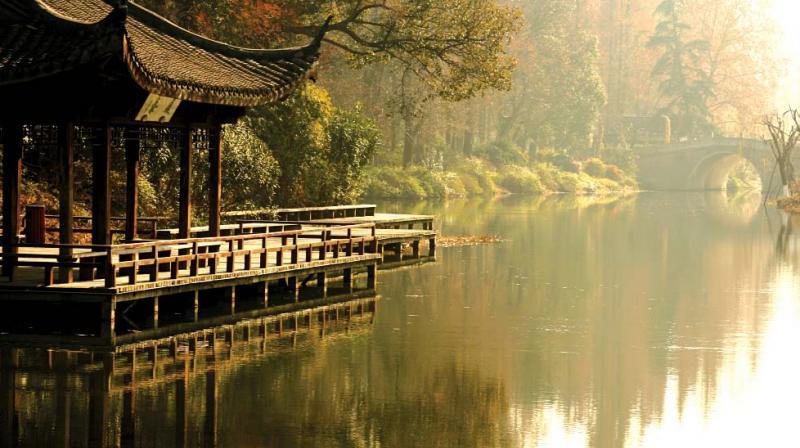 Hangzhou Bridge Lake