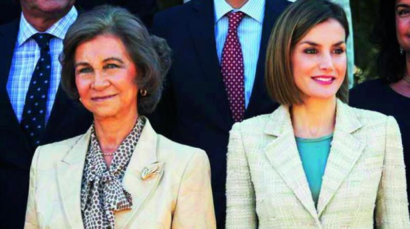 Queen Sofía and her daughter-in-law Queen Letizia of Spain were arguing in public.