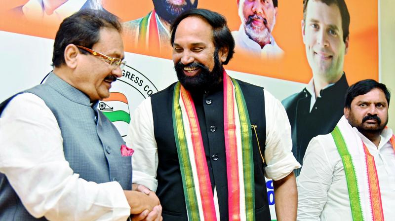 KCR meets top DMK leaders in efforts for front
