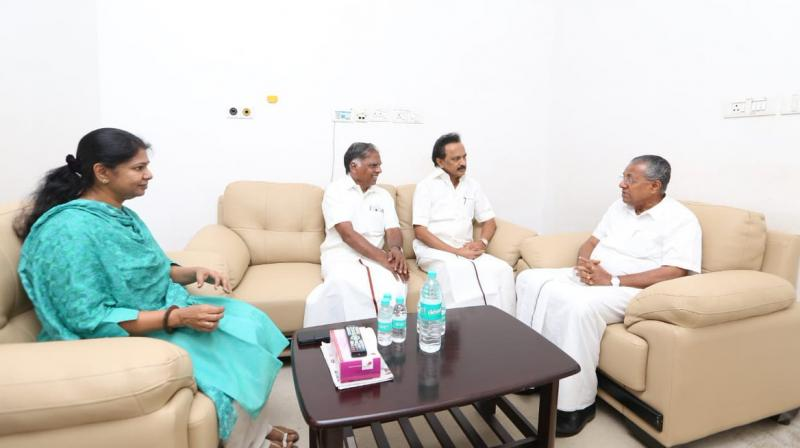 Kerala CM meets DMK Chief in Hospital
