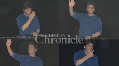 Bollywood superstar Shah Rukh Khan who turned 53 on Friday, greeted thousands of his fans outside his residence at midnight and thanked them for their wishes. (Photos: Viral Bhayani)