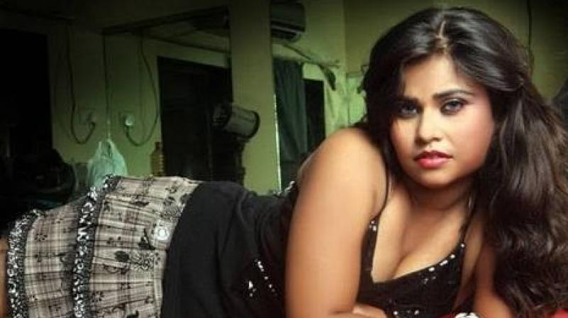 kerala-ladies-sexy-nangi-photo-light-skin-pussey