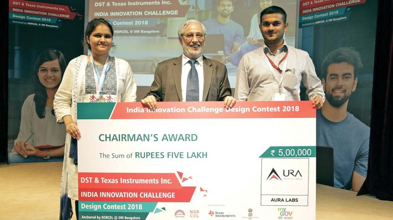 Aura Labs of SRMIST was awarded the Chairman's Award, the first prize at IICDC conducted by Texas Instruments India, DST India, IIM-Bangalore and My Gov India for the Best Innovation and Technological Impact.