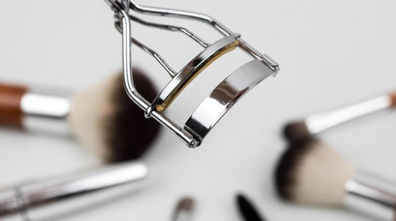 6 must-have beauty essentials for your travel bag. (Photo: Pixabay)