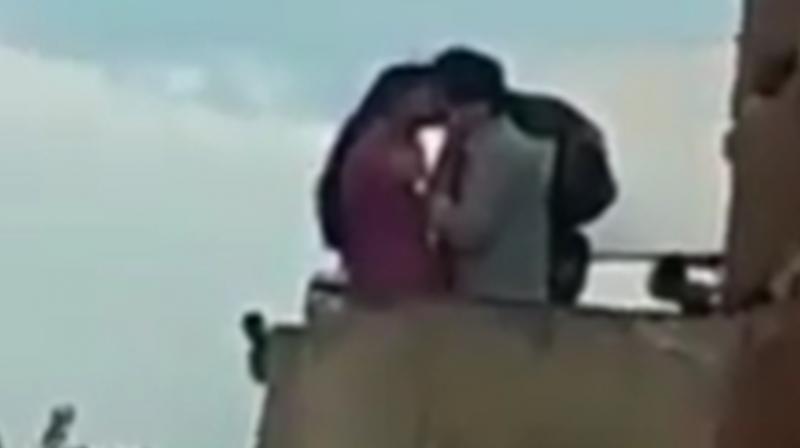 A screengrab of Deepika Padukone and Vikrant Massey's viral kissing video from the sets of Chhapaak. (Photo: Instagram/deepikapadukonepic)