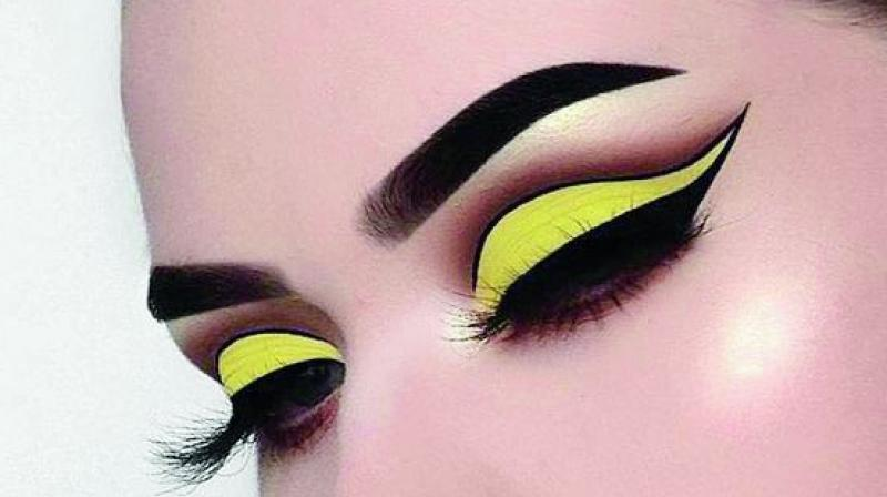This trend is based on the fact that variations of yellow have appeared in many eye shadow palettes over the past few months.