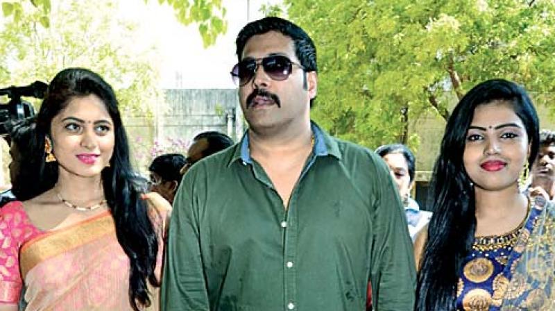Jai Akash with Akshitha and Jayashree.