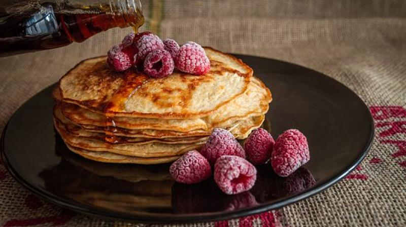 Infrequent breakfast consumption is associated with indices of central obesity and weight gain. (Photo: Pixabay)