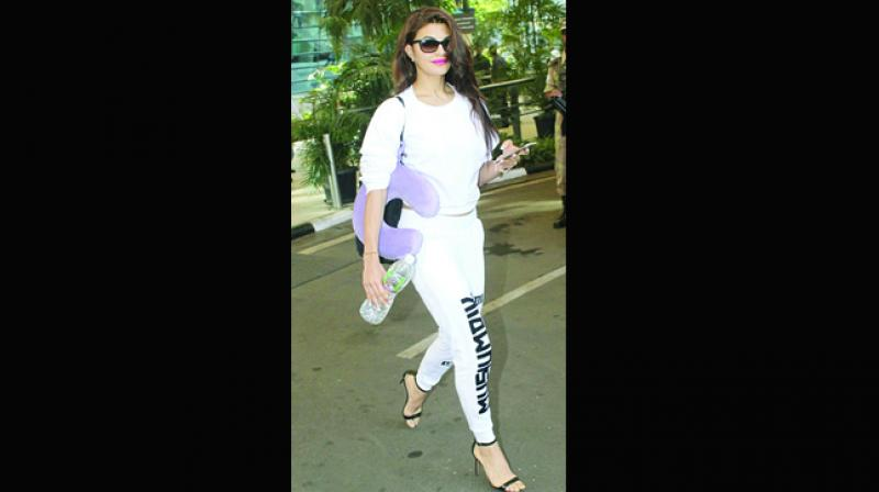 Jacqueline Fernandez knows how to set  temperatures  soaring in joggers.