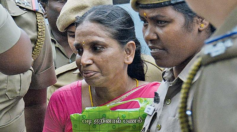 Life convict in the case of the assassination of Rajiv Gandhi S. Nalini arriving at Madras high court on Friday. (Photo: DC)