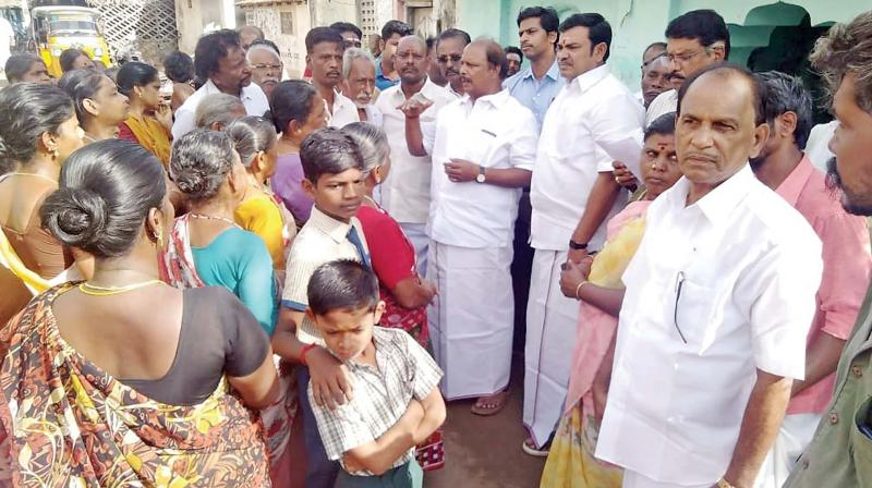 M.Rangasamy, former MLA and treasurer of AMMK speaking to people of west and north alankams in Thanjavur on Tuesday. (Photo: DC)