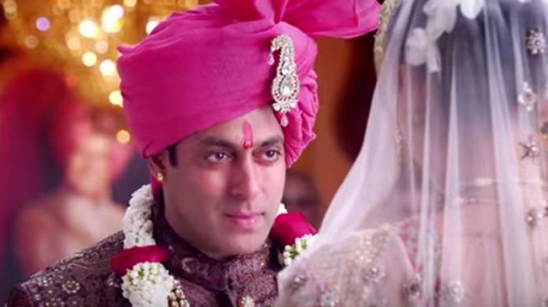 Salman Khan in a still from 'Prem Ratan Dhan Payo'.