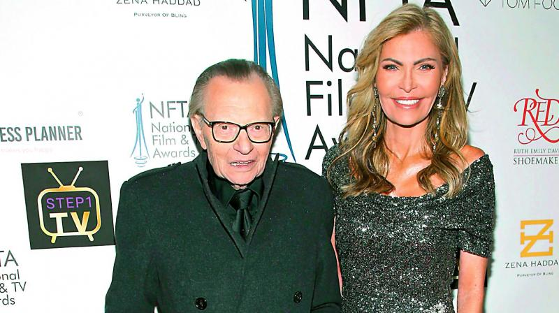 After 22 years of marriage, 85-year-old talk show host Larry King and his 59-year-old wife Shawn Southwick seem to be parting.