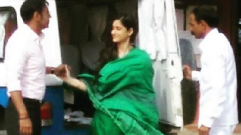 Ajay and Ileana in a screenshot from the leaked video from 'Raid' sets.