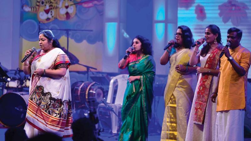 Singer K.S. Chitra performs at the ganamela organised in connection with Onam Week celebrations at Kanakakunnu in Thiruvananthapuram on Tuesday (Photo: DC)