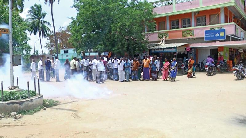 Villagers of Neduvasal, Vadakadu and its  surroundings burst firecrackers at Neduvasal on Thursday, following the alloted company giving up its hydrocarbon exploration project there.(Photo: DC)