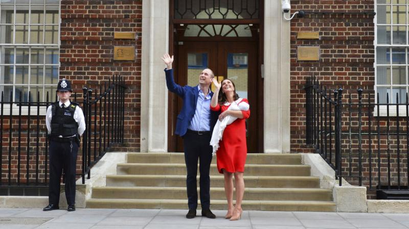 Kensington Palace, announced that the Duke and Duchess of Cambridge welcomed a baby boy at 11:01 on the morning of April 23. (Photo: AP)