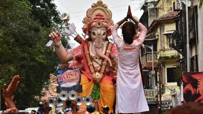 Indian Ganpati on Thursday devotees take out a procession with an idol of elephant-headed god 'Mumbai Cha Raja' of Ganesh Galli to be immersed in the Arabian Sea at Lalbaug in Mumbai. Every year millions of devotees immerse Ganesh idols into oceans and rivers in the ten-day long Ganesh Chaturthi festival that celebrates the birth of Ganesh. (Photo: Debasish Dey)