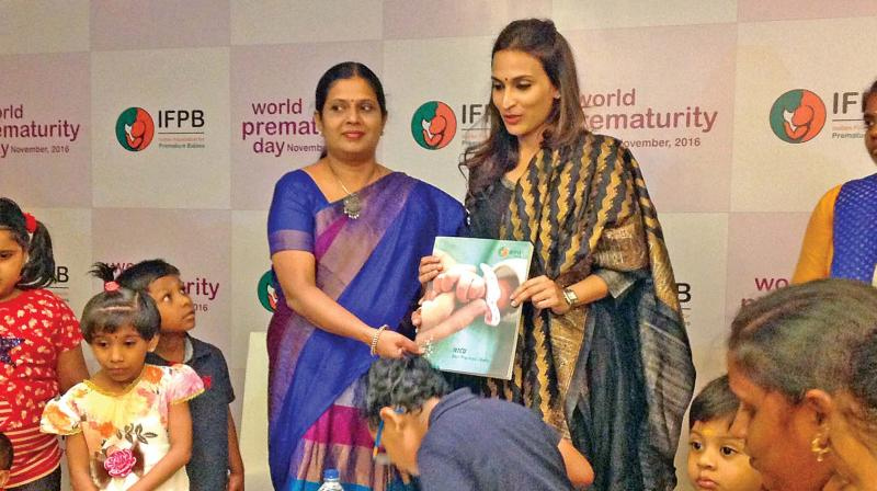 Aishwaryaa Dhanush releases a book on  neonatal care by neonatologist Dr Deepa Hariharan in the city on Thursday. (Photo: DC)
