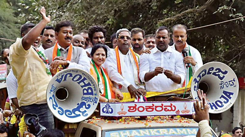 Senior Congress leader Siddaramaiah campaigns for party candidate in Hunsur on Tuesday