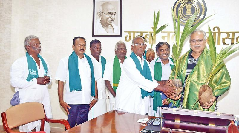 The Chief Minister of that state reportedly told the farmers that 1,540 traditional varieties of paddy are cultivated in Chhattisgarh and appealed to the farmers from Tamil Nadu to cultivate traditional varieties of paddy.