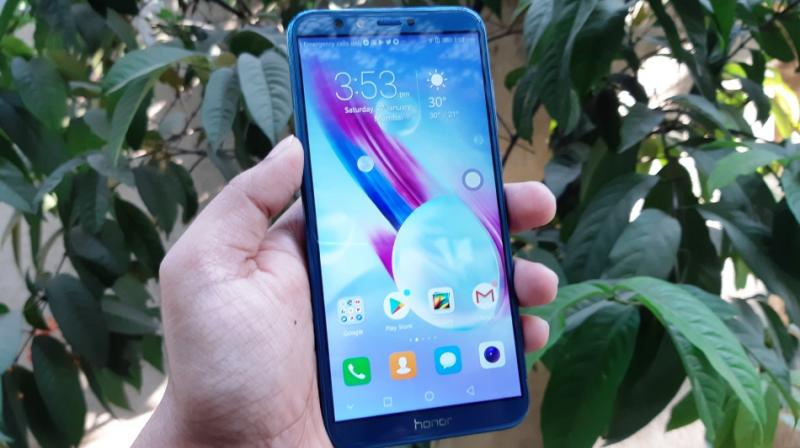 The Honor 9 Lite is a fresh proposition with combination of an all-glass body with an 18:9 narrow-bezel display and decent performance.
