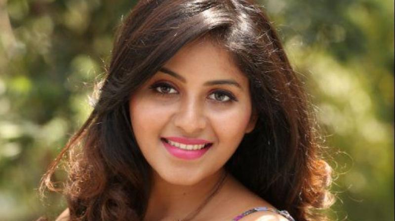 Actor Anjali Photos: Anjali To Get Hitched?