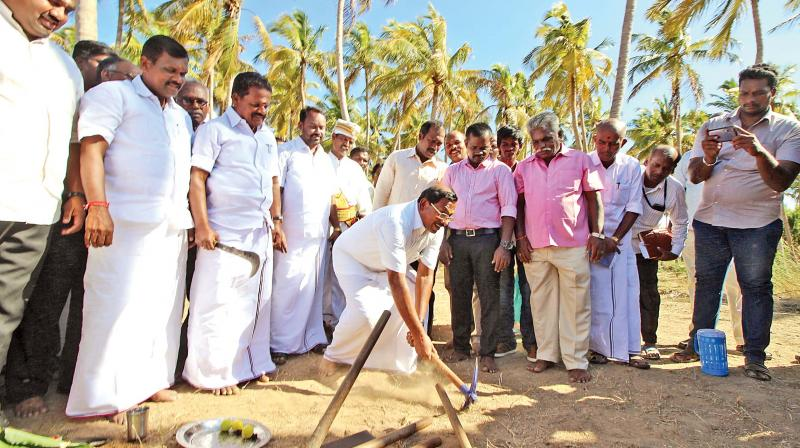 Minister for Tamil Official Language, Culture and Archaeology Ma Foi K Pandiarajan  inspects the fifth phase of excavation at Keezhadi archeological site at Sivaganga district on Thursday.(Photo: DC)