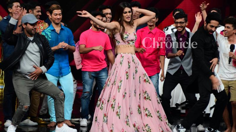 The team of 'Bareilly Ki Barfi' promoted the film on the sets of the reality show 'Dance Plus' in Mumbai on Thursday. (Photo: Viral Bhayani)