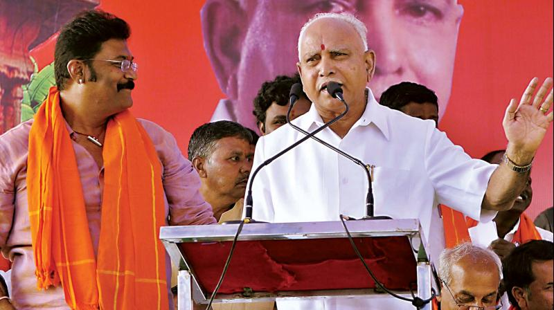 Chief Minister B.S. Yediyurappa campaigns for BJP candidate Anand Singh at Kamalapura near Hosapete on Monday (Photo: KPN)